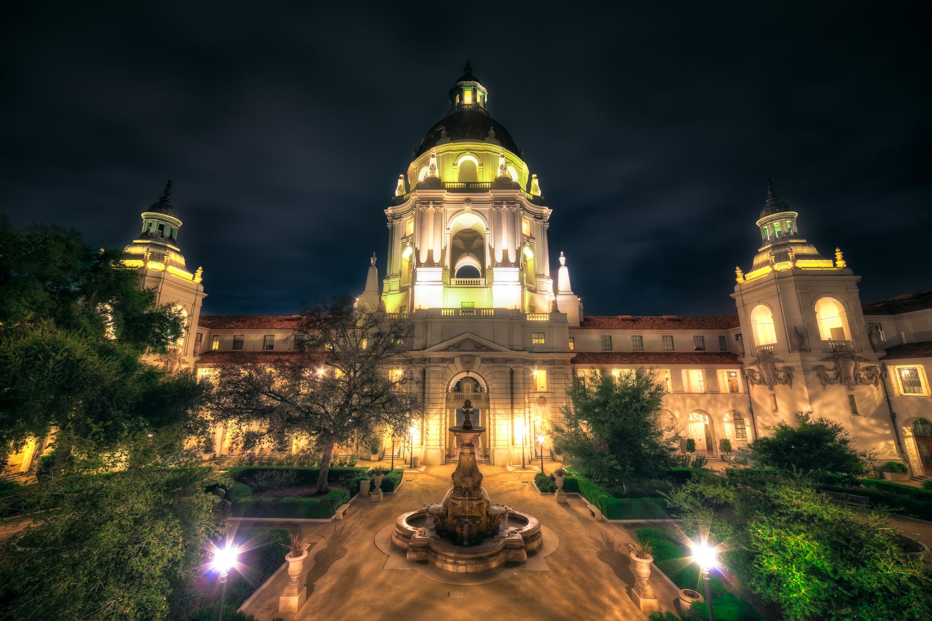 Night HDR Phot of the Pasadena City Hall